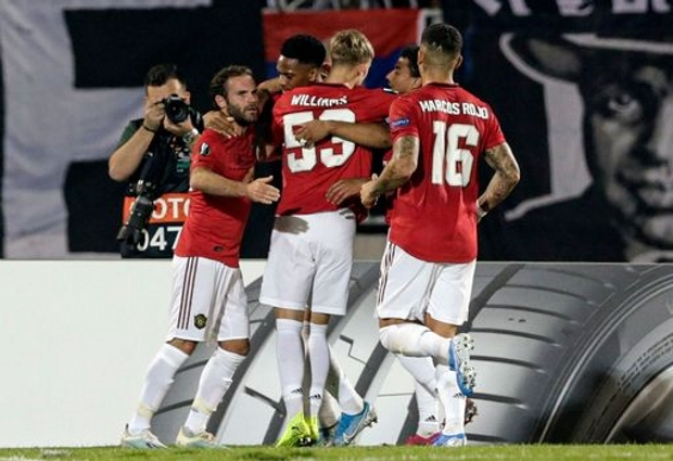 Partizan Belgrade 0 -1 Manchester United: Anthony Martial's penalty  ends miserable away run