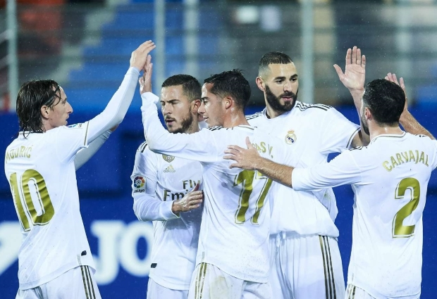 Eibar 0 -4 Real Madrid: Benzema double helps lift Zidane's men into top spot