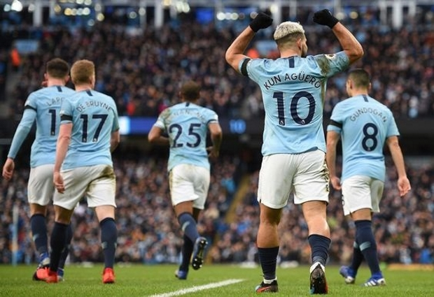 Manchester City 6 -0 Chelsea: Aguero hits historic hat-trick as champions run riot and reclaim top spot
