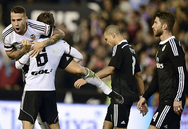 Valencia 2 -1 Real Madrid: Guedes & Garay consign Zidane to first loss since return