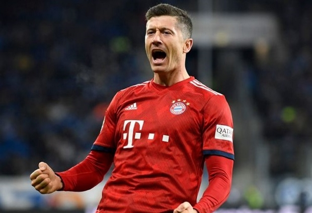 Bayern Munich 2 -2 Hertha Berlin: Lewandowski at the double as champions held in Bundesliga opener