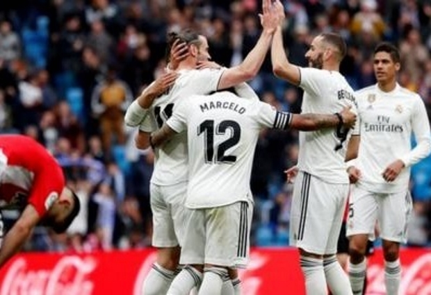 Real Madrid 3 -0 Athletic Bilbao: Hat-trick hero Benzema scores for fifth game in a row to seal victory