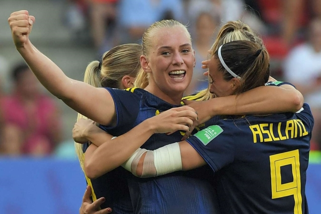 Germany 1 -2 Sweden: Blackstenius seals semi-final spot