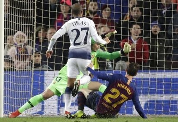 Barcelona 1 -1 Tottenham: Lucas rescues Spurs late on to secure progress