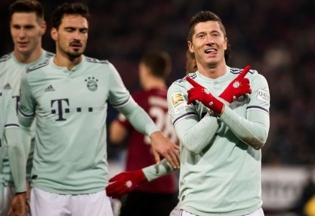 Hannover 0 -4 Bayern Munich: Gnabry and Kimmich star in crushing win