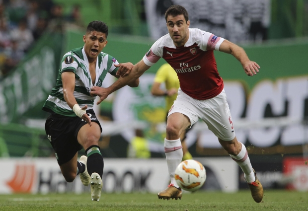 Sporting CP 0 -1 Arsenal: Welbeck keeps Gunners perfect in Group E