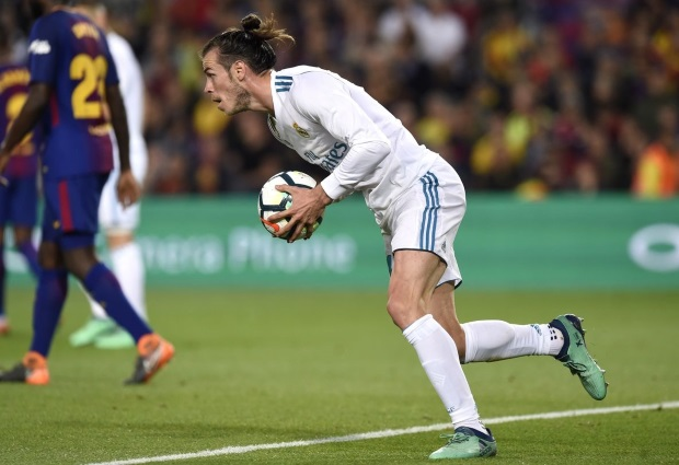 Barcelona 2 -2 Real Madrid: LaLiga champions stay unbeaten despite Roberto's first-half red