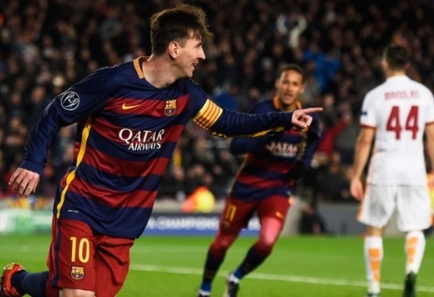 Barcelona 4 -1 Roma: Suarez off the mark after own goals tee up win