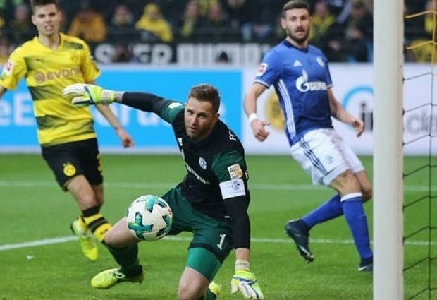 Borussia Dortmund 4 -4 Schalke 04: BVB Throw Away 4-Goal Lead in Frantic Last Half Hour
