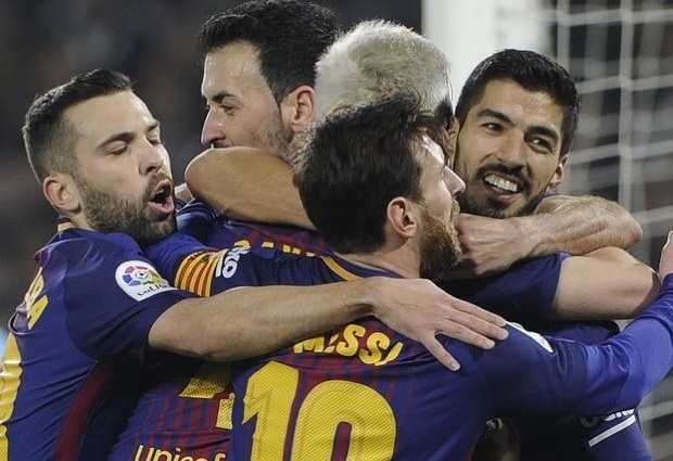 Real Betis 0 -5 Barcelona: Lionel Messi and Luis Suarez get two each as Ernesto Valverde's side go 11 points clear at the top of La Liga