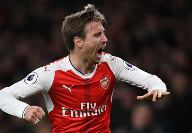 Arsenal 1 -0 Leicester City: Huth own goal keeps Arsenal in top four race