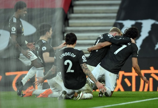 Southampton 2-3 Manchester United: Instrumental Cavani inspires comeback