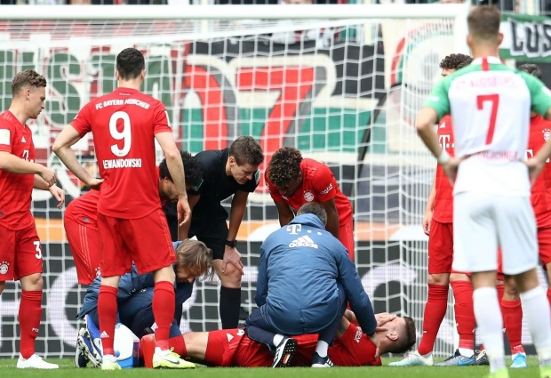 Augsburg 2 -2 Bayern Munich: Sule injured as champions are hit by last-gasp equaliser