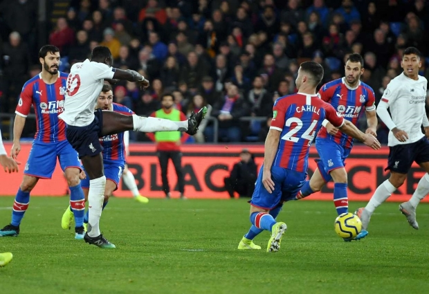 Crystal Palace 1 -2 Liverpool: Firmino strikes late for relentless Reds