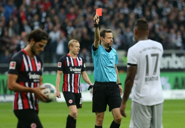 Eintracht Frankfurt 5 -1 Bayern Munich: Boateng red proves costly as pressure grows on Kovac