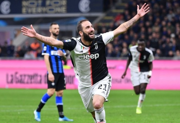 Inter 1 -2 Juventus: Higuain sends Bianconeri top as Conte suffers first Serie A defeat