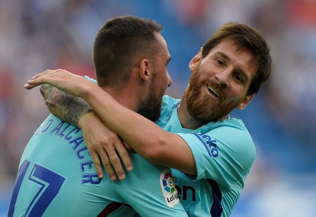 Deportivo Alaves 0 -2 Barcelona: Alena and Suarez put champions-elect on brink of title