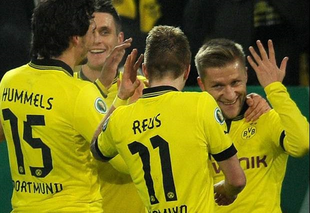 Borussia Dortmund 5 -1 Hannover: Reus stars as leaders cruise