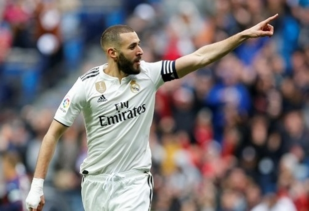 Real Madrid 2 -1 Eibar: Benzema brace spares Los Blancos in Zidane's 100th LaLiga game