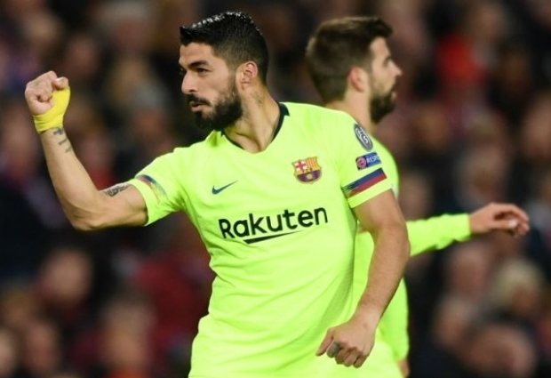 Manchester United 0 -1 Barcelona: Shaw own goal gives Solskjaer's men another mountain to climb