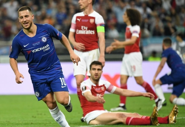 Chelsea 4 -1 Arsenal: Eden Hazard strikes twice as Sarri celebrates