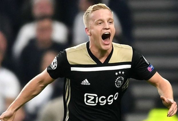 Tottenham 0 -1 Ajax: Van de Beek strike puts Dutch side in charge