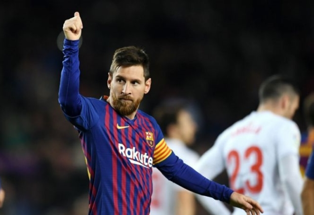 Barcelona 3 -0 Eibar: Messi makes history with 400th LaLiga goal