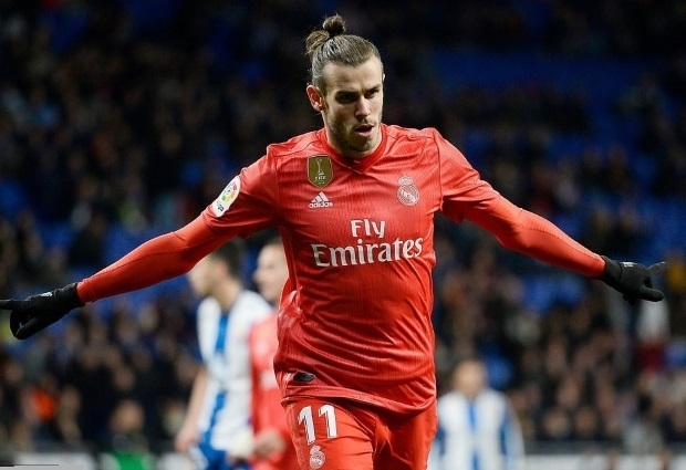 Espanyol 2 -4 Real Madrid: Benzema at the double for 10-man Los Blancos
