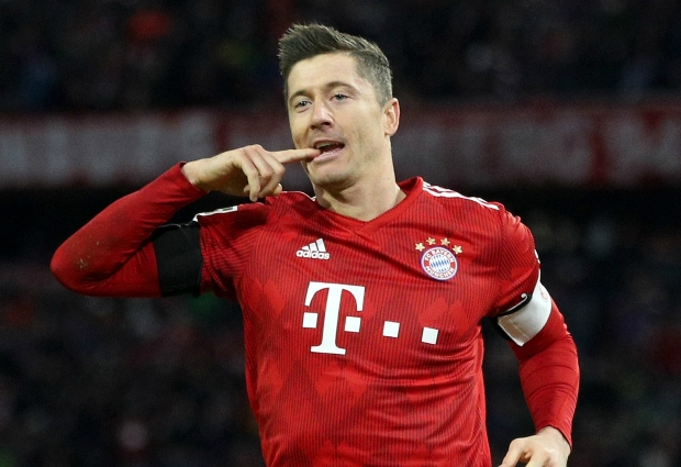 Bayern Munich 3 -1 Schalke: Champions capitalise on Dortmund draw