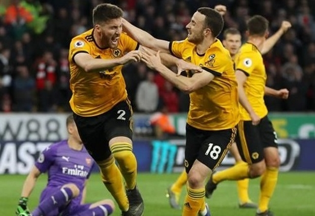 Wolves 3 -1 Arsenal: Stunning first-half display hurts Gunners' top-four hopes