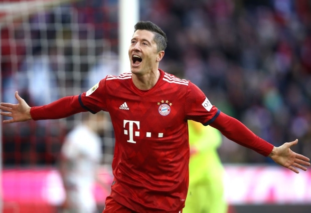 Bayern Munich 3 -0 Nurnberg: Lewandowski lifts Kovac's side into second