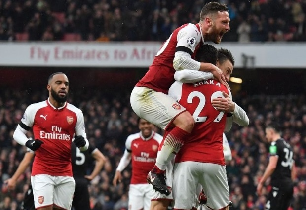 Arsenal 4-1 Crystal Palace: Arsenal blow Palace away in first half rout as they get used to life without Alexis Sanchez