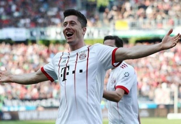 Hannover 0 -3 Bayern Munich: Lewandowski breaks Bundesliga record