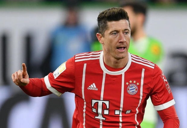 Wolfsburg 1 -2 Bayern Munich: Robert Lewandowski nets last minute winner to rescue FCB after Arjen Robben misses penalty