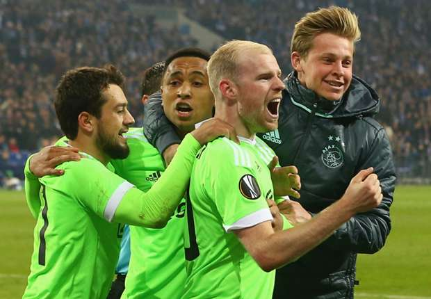 Schalke 3 -2 Ajax: Dutch delight as stunning comeback falls short